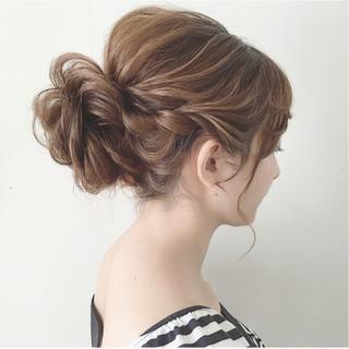 大人かわいい 結婚式 セミロング ガーリー ヘアスタイルや髪型の写真・画像