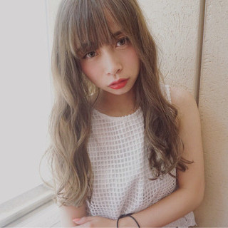 デート ヘアアレンジ パーマ フェミニン ヘアスタイルや髪型の写真・画像
