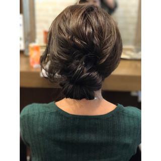 アッシュ パーマ デート シニヨン ヘアスタイルや髪型の写真・画像