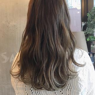 デート 簡単ヘアアレンジ セミロング リラックス ヘアスタイルや髪型の写真・画像