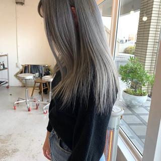 アンニュイほつれヘア ストリート ミディアム ダブルカラー ヘアスタイルや髪型の写真・画像 ヘアスタイルや髪型の写真・画像