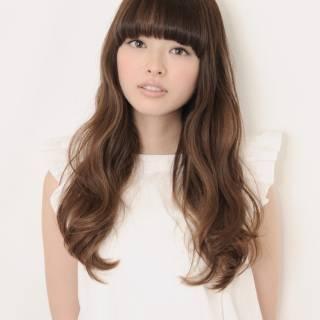 モテ髪 ロング アッシュベージュ 重めバング ヘアスタイルや髪型の写真・画像 ヘアスタイルや髪型の写真・画像