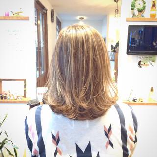デート メッシュ 外国人風カラー オフィス ヘアスタイルや髪型の写真・画像