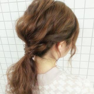 ローポニーテール 波ウェーブ ヘアアレンジ 簡単ヘアアレンジ ヘアスタイルや髪型の写真・画像 ヘアスタイルや髪型の写真・画像