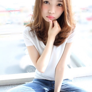 ミディアム ストリート 大人かわいい 外国人風 ヘアスタイルや髪型の写真・画像