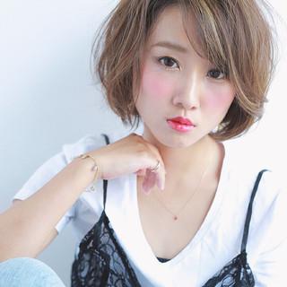 小顔 ナチュラル 艶髪 ハイライト ヘアスタイルや髪型の写真・画像