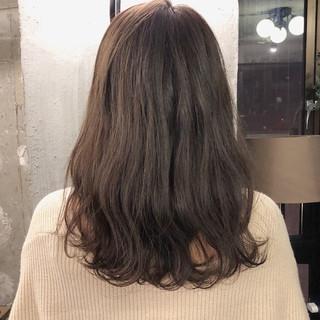 ミディアム ナチュラル 外国人風カラー アンニュイ ヘアスタイルや髪型の写真・画像