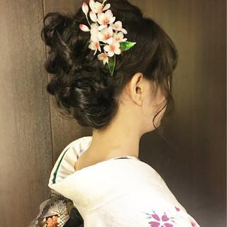 大人かわいい フェミニン ヘアアレンジ セミロング ヘアスタイルや髪型の写真・画像