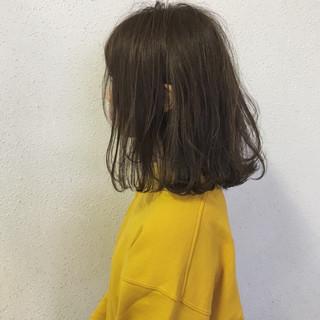 ロブ ボブ ナチュラル 外ハネ ヘアスタイルや髪型の写真・画像 ヘアスタイルや髪型の写真・画像