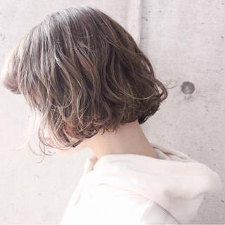 ナチュラル 冬 こなれ感 外国人風 ヘアスタイルや髪型の写真・画像 ヘアスタイルや髪型の写真・画像