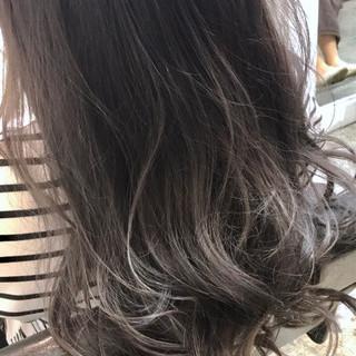 アッシュグレージュ 外国人風カラー ナチュラル グレージュ ヘアスタイルや髪型の写真・画像