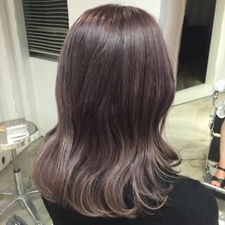 外国人風カラー ラベンダー セミロング ストリート ヘアスタイルや髪型の写真・画像