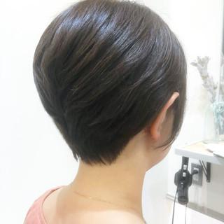 ナチュラル イルミナカラー アッシュベージュ ショート ヘアスタイルや髪型の写真・画像