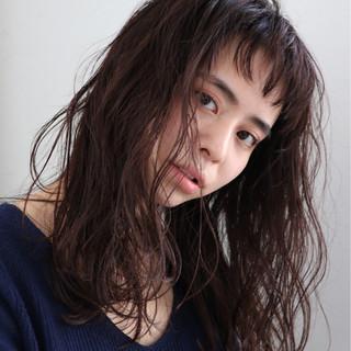大人かわいい パーマ デート セミロング ヘアスタイルや髪型の写真・画像