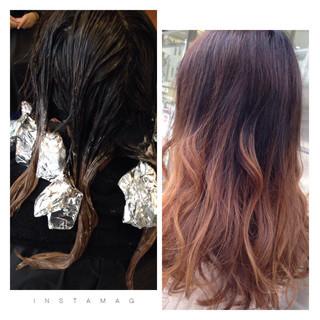 セミロング ナチュラル グラデーションカラー 大人かわいい ヘアスタイルや髪型の写真・画像
