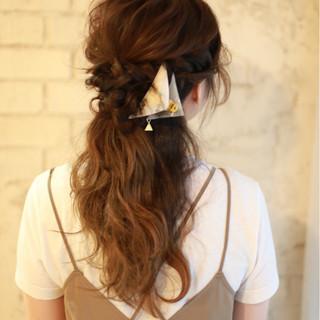 ロング 大人かわいい ヘアアレンジ グラデーションカラー ヘアスタイルや髪型の写真・画像