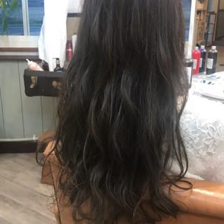ナチュラル アッシュグレー 透明感 アッシュグレージュ ヘアスタイルや髪型の写真・画像