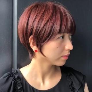 簡単ヘアアレンジ ピンク フェミニン ショートボブ ヘアスタイルや髪型の写真・画像