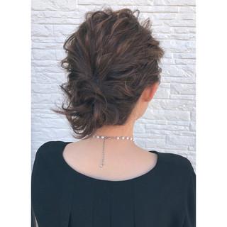 ナチュラル ヘアアレンジ ミディアム シニヨン ヘアスタイルや髪型の写真・画像