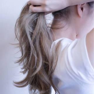 透ける髪色、あがる女度。グレーアッシュはグラデーションがかわいい