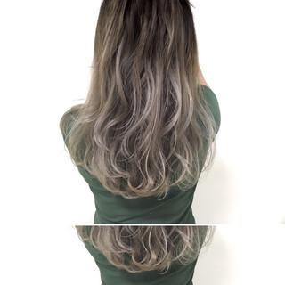 暗髪 ストリート アッシュグレージュ セミロング ヘアスタイルや髪型の写真・画像 ヘアスタイルや髪型の写真・画像