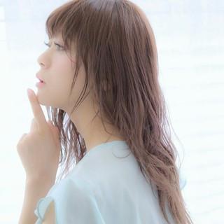 前髪あり ロング フェミニン 外国人風 ヘアスタイルや髪型の写真・画像
