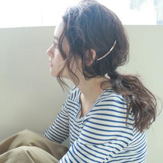 ナチュラル 無造作 ヘアアレンジ くせ毛風 ヘアスタイルや髪型の写真・画像 ヘアスタイルや髪型の写真・画像
