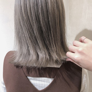 ミルクティーベージュ ヘアカラー ナチュラル ベージュ ヘアスタイルや髪型の写真・画像