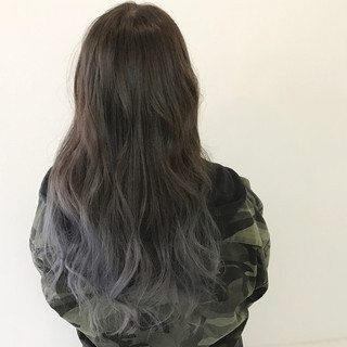 インナーカラー ロング ハイトーン ナチュラル ヘアスタイルや髪型の写真・画像