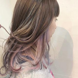 バレイヤージュ インナーカラー グラデーションカラー ハンサムショート ヘアスタイルや髪型の写真・画像