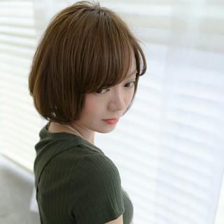 フェミニン 小顔 前髪あり ナチュラル ヘアスタイルや髪型の写真・画像