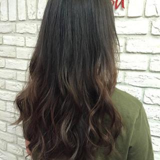 ロング ハイライト グラデーションカラー イルミナカラー ヘアスタイルや髪型の写真・画像