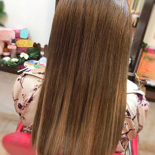 エクステ ハイライト ロング アッシュベージュ ヘアスタイルや髪型の写真・画像