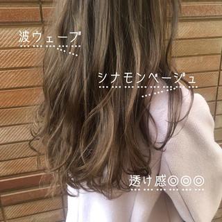 ダブルカラー ハイトーンカラー ミルクティーベージュ アッシュベージュ ヘアスタイルや髪型の写真・画像