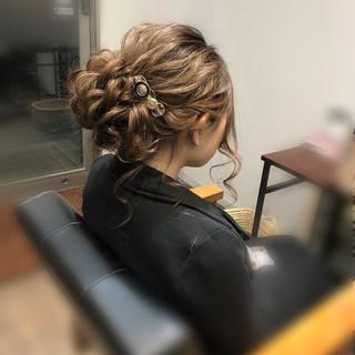 アップスタイル フェミニン ヘアアレンジ 成人式 ヘアスタイルや髪型の写真・画像