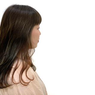アンニュイほつれヘア ナチュラル ブルージュ デート ヘアスタイルや髪型の写真・画像