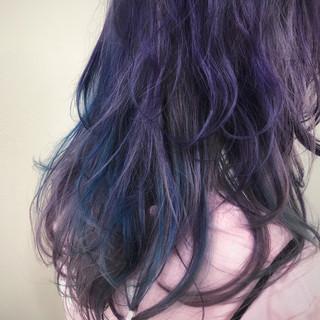 ブルー ブリーチ ストリート ハイトーン ヘアスタイルや髪型の写真・画像