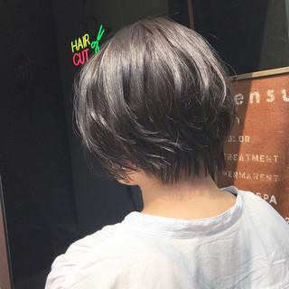 大人可愛い ショート ラベンダーアッシュ ハンサムショート ヘアスタイルや髪型の写真・画像