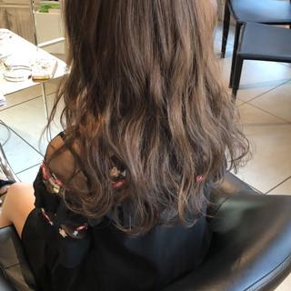 外国人風 ロング 外国人風カラー グレージュ ヘアスタイルや髪型の写真・画像