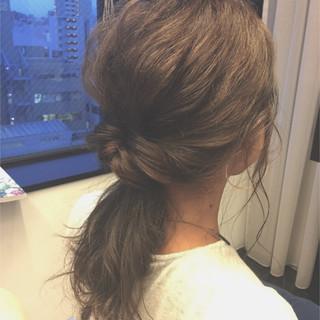 セミロング 暗髪 簡単ヘアアレンジ 大人かわいい ヘアスタイルや髪型の写真・画像