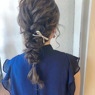 デート ヘアアレンジ ウェーブ ナチュラル ヘアスタイルや髪型の写真・画像