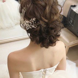 結婚式髪型 結婚式ヘアアレンジ ゆるナチュラル フェミニン ヘアスタイルや髪型の写真・画像