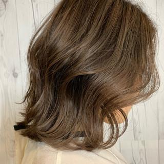 ボブ ハイライト ブリーチオンカラー ラベンダーグレージュ ヘアスタイルや髪型の写真・画像