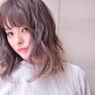 外国人風カラー グラデーションカラー ミディアム ナチュラル ヘアスタイルや髪型の写真・画像 ヘアスタイルや髪型の写真・画像