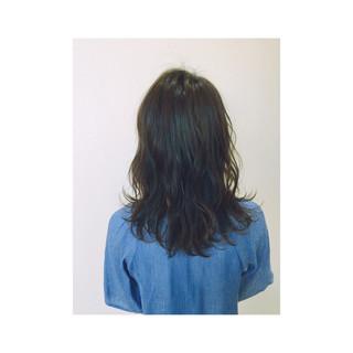 グレージュ ミディアム ゆるふわ ガーリー ヘアスタイルや髪型の写真・画像