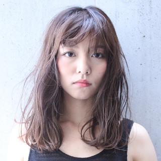 外国人風 フェミニン パーマ ピュア ヘアスタイルや髪型の写真・画像