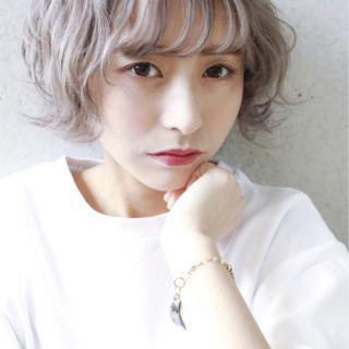 ホワイト 色気 グレージュ 外国人風カラー ヘアスタイルや髪型の写真・画像