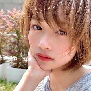 ショート アンニュイほつれヘア アウトドア 大人かわいい ヘアスタイルや髪型の写真・画像