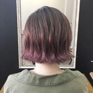 パープル グラデーションカラー ボブ ストリート ヘアスタイルや髪型の写真・画像