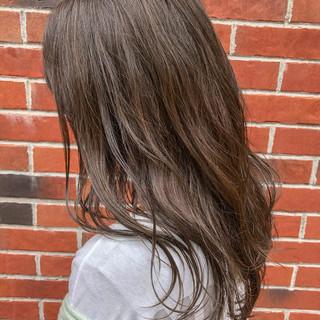 アディクシーカラー ナチュラル インナーカラー セミロング ヘアスタイルや髪型の写真・画像
